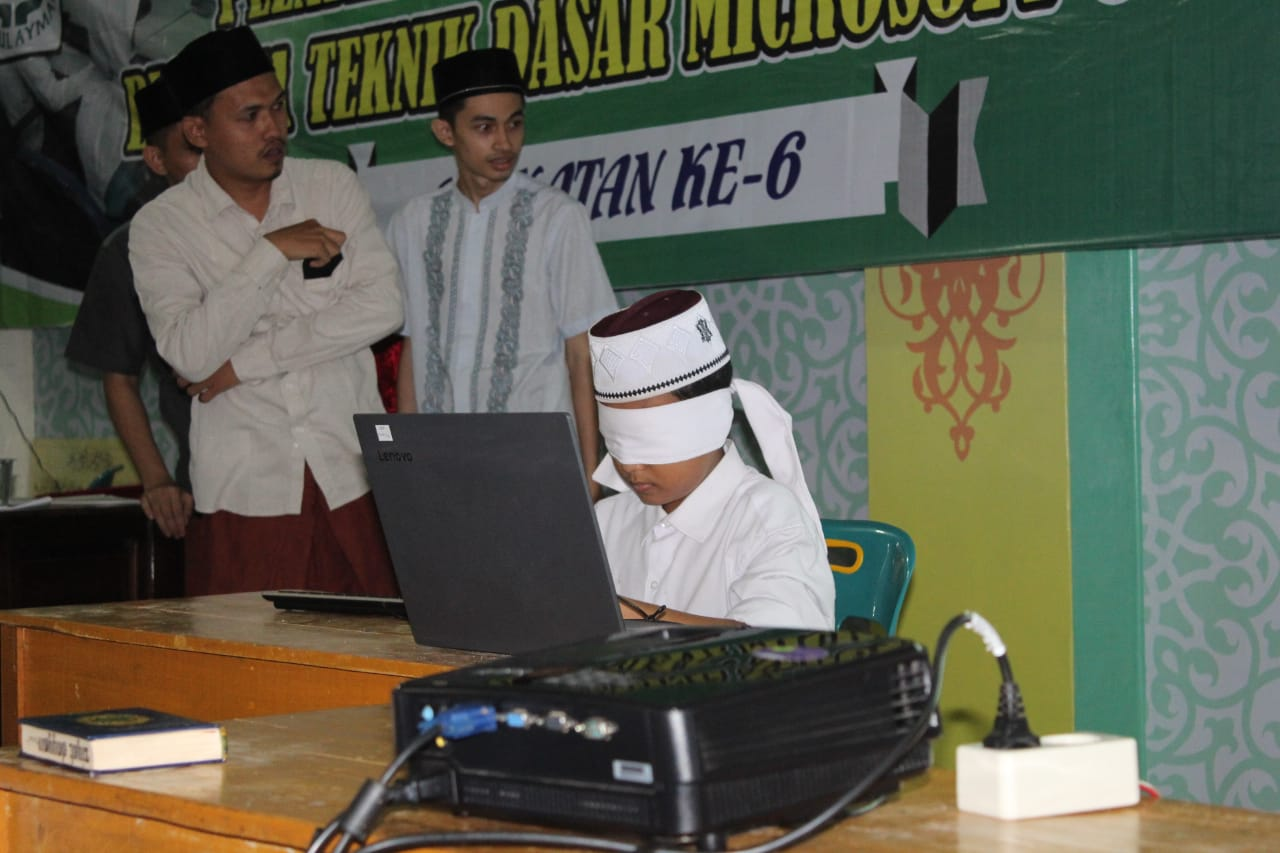 Waled Apresiasi Santri Pelatihan Typing Ten Fingers