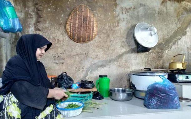 Wak Non, Ibu Ribuan Anak Yatim